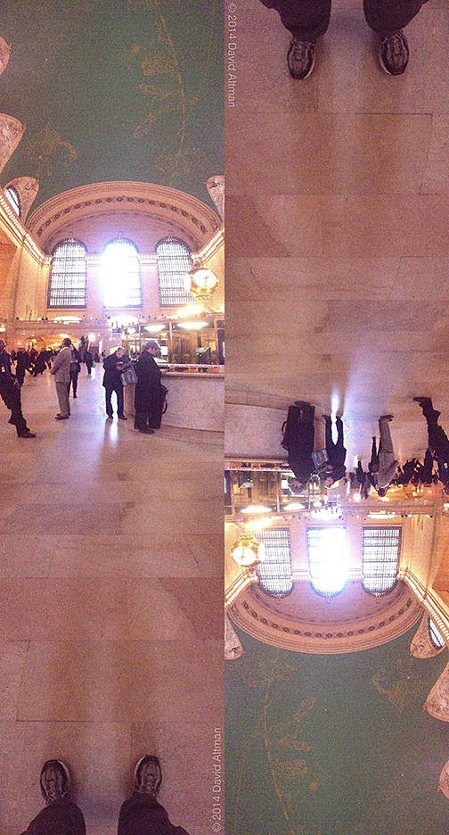 Panoramic photo of Grand Central Terminal from floor to ceiling.